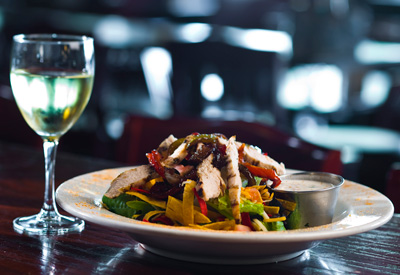 Chicken Fajita Salad with Wine at Elliot Bay